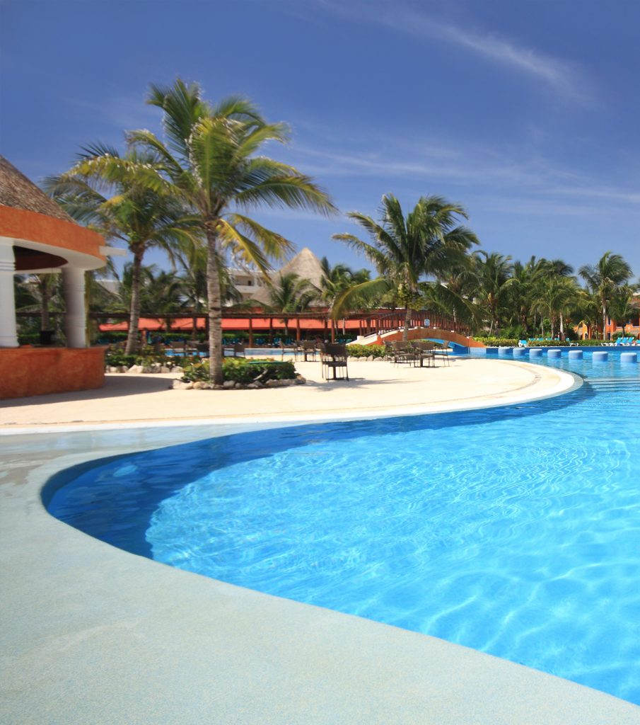 swimming pool in aruba
